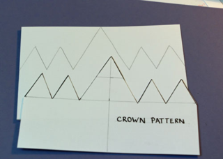 Traced-crown-card-pattern